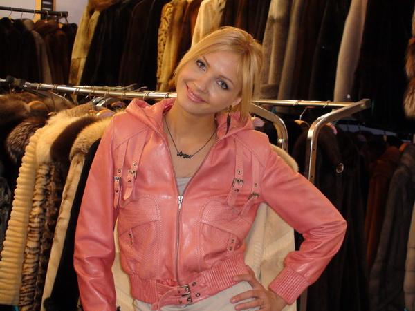 Женская одежда: Куртки из кожи в Санкт.
